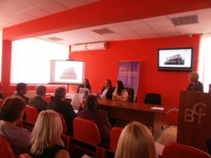 Louisa Slavkova präsentiert das Business Center Hannover